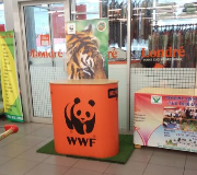 Mobile Roadshow Meja Promosi Easy Counter Dan Roll Up Banner WWF