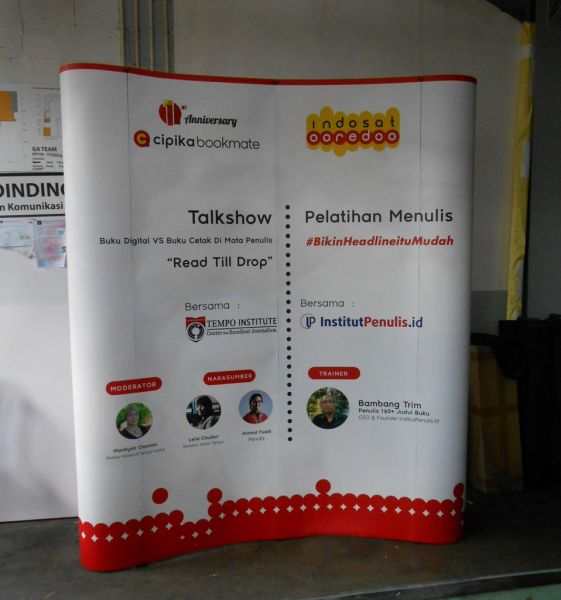 Backdrop Indosat Pop Up Backwall 2x3 Curve